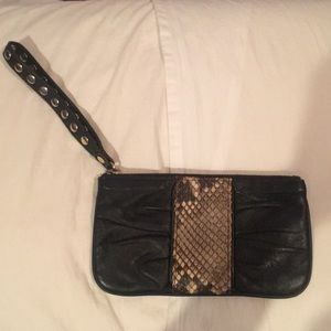 Be&D Black leather wristlet